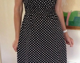 Summer Dress with Sweetheart Neckline