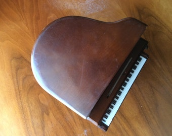 Vintage Franklin AM Transistor Novelty Piano Radio