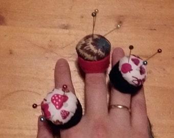 finger pincushion, ring cushion
