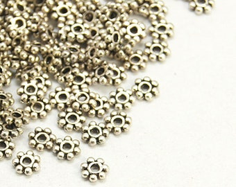 200 Antique Silver Daisy Spacer Beads 4mm (B196a)