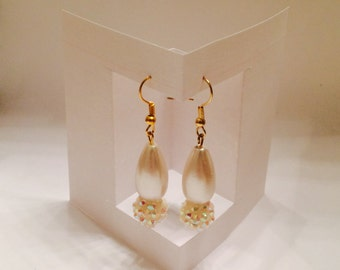 Pearl Gold Dangle Earrings
