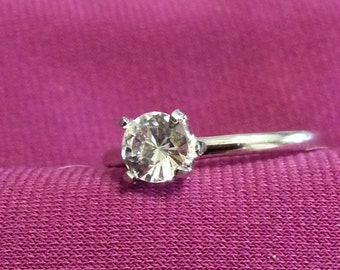 Sterling Silver Cubic Zirconia solitare ring Size 8