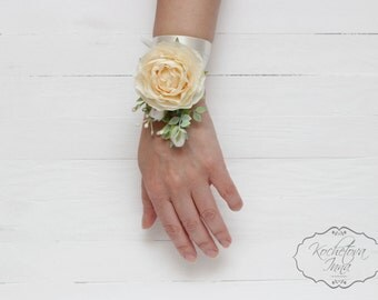 Wrist corsage Bridal flower accessories Flower bracelet Ivory corsage Bridesmaids Corsage Flower corsage Wedding floral accessories
