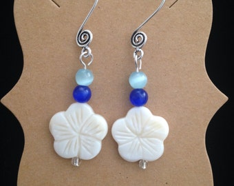 Dangle earrings, Shell earrings, Hibiscus earrings