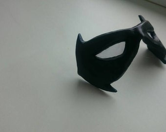 Nightwing mask with white lenses