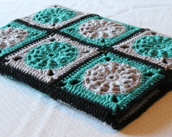 Tablet Case crocheted out of Granny Squares