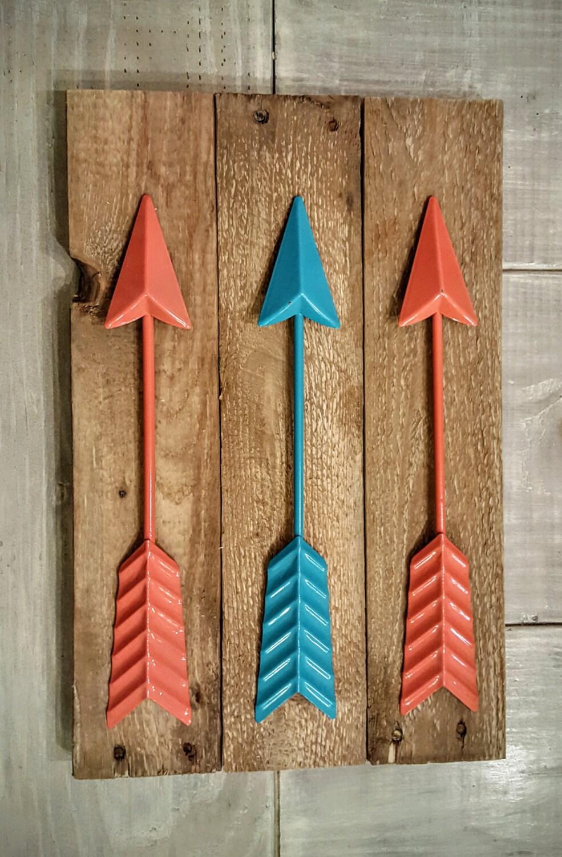 Metal wall decor arrow : Metal wall arrows on reclaimed wood arrow decor