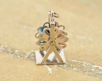Carnival Ferris Wheel Fair 3D Articulated Enamel Seat Charm / Pendant Sterling Silver 2.7g Vintage Estate