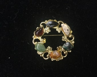 Vintage Brooch, Colored Stones, Wreath Like!