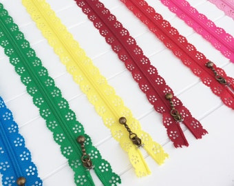 Lace Zipper, 12 Available Colors, 40 CM - 16 Inches, Closed End - Long Scallop Zippers - Antique Brass Metal Nylon Zippers - Crafts Sewing