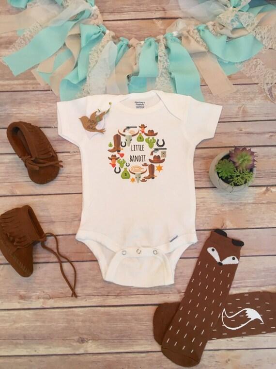 Cowboy Baby esie Rustic Baby Clothes Little Bandit Baby