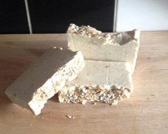 Honey & Oatmeal Soap with Lemongrass