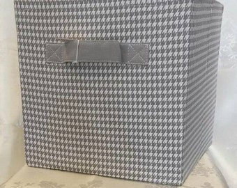 Chooty &Co Gray houndstooth storage cube 11x10.75