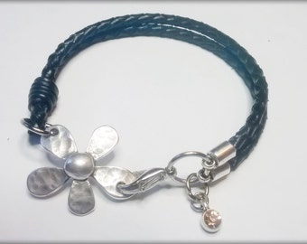 Leather Bracelet braided black with Baroque flower of zamak and beading of Crystal checho