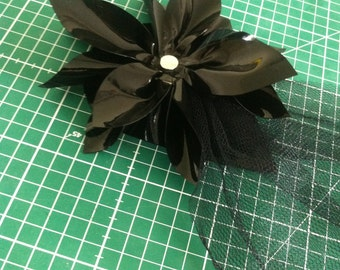 Latex fascinator (with a flower)