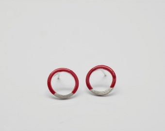 Circle earrings red