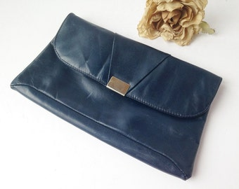 Vintage Navy Blue Evening Clutch / Vintage Royal Blue Evening Clutch / Blue Clutch / Navy Purse / Blue Purse / Vintage Navy Purse