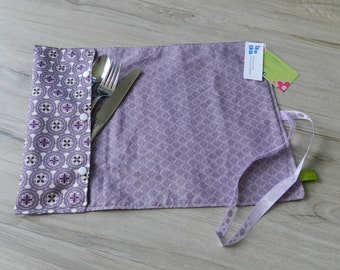 Doily with pouch for utensils, lunch, utensil, placemat, medallion, mauve doily doily