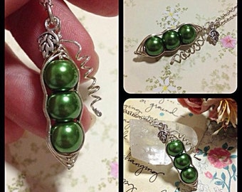 Peapod Necklace, Three Peas In A Pod Necklace, Green, Peapod Jewellery, peas-in-a-pod, Peapod, Family, New Mum, Brother, Sister, Children,