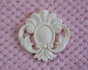 Shell shaped embellishment/resin applique