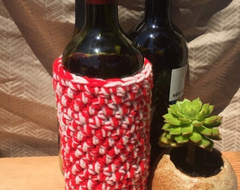 Red & White Wine Bottle Cozy, Wine Bottle Cover, Wine Bottle bag, Hand Made, Crochet