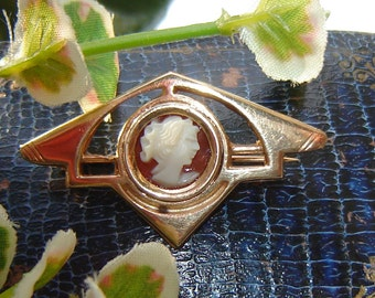 Orig + sweet antique brooch - Art Deco gem -.