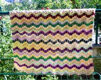 handmade baby blanket, crochet baby blanket, V stich crochet blanket, handmade blanket, crochet quilt, multicolor blanket