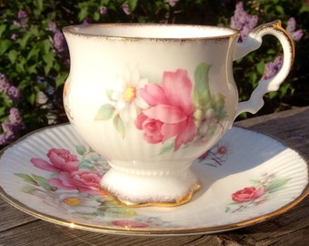 Pretty in Pink-Elizabethan Pedestal Teacup and Saucer