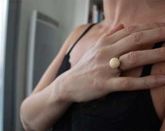 Ring ball round and brass ring