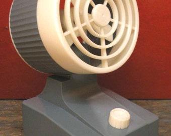 Ventilateur à piles vintage 1970 battery operated fan