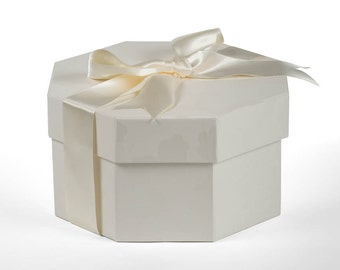 Octagonal Hat Box - in Endsleigh Ivory
