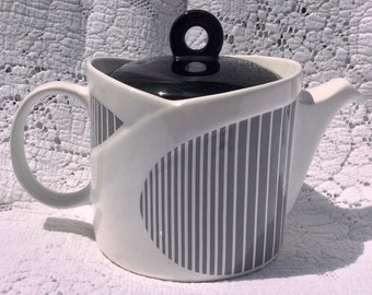 Funky Vintage Sadler Black, Grey and White Teapot