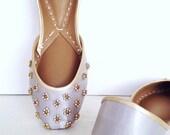 Gold flats, Black flats, Khussa Shoes, Mojari Shoes, Pink Flats, Silver Flats, Jutti, Khussa, Handmade shoes, Custom shoes, Leather Flats
