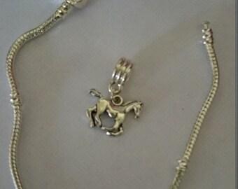 Horse charm bead