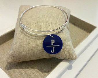 Double Initial Acrylic Charm Bangle (Silver Tone)//Adjustable Wire Bangle//Stackable Bangle//Acrylic Disc//Monogram//Personalized Bangle