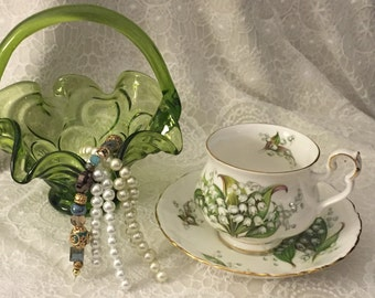 Vintage Royal Albert Bone China Tea Cup & Saucer    Sonnet Series - Tennyson