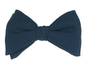 Men's Vintage Bow Tie Solid Navy Clip On Bowtie circa 1960