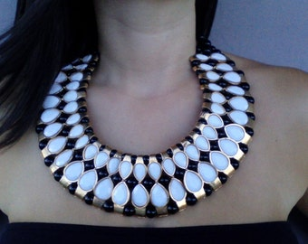 Bib necklace, Black and white, statement necklace, Black and white bib necklace, modern necklace, large necklace