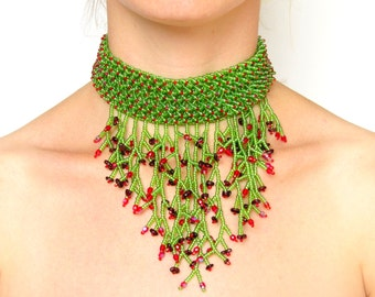 Collar necklace, earrings and bracelet