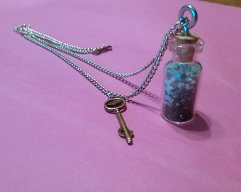"16"" Sand in a bottle Necklace"