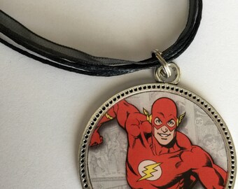 Flash Necklace/ DC Comics