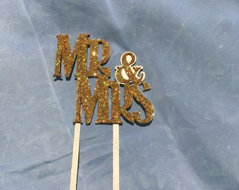 Mr and Mrs cake topper or decor