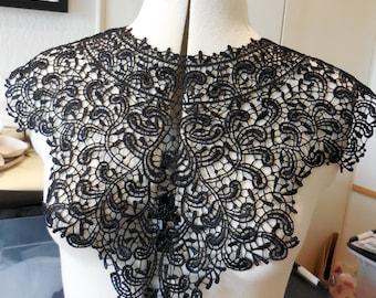 A Black floral cotton lace collar applique / Round shape neckline collar motif is for sale. Sold by per piece