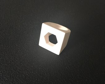 Ring white printed in 3D with octagonal sphere
