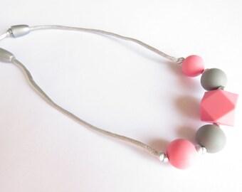 Feeding & teething necklace