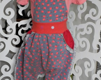 Dungarees Gr. 104/110 Jersey ruffle grey red bloomers unique hand made