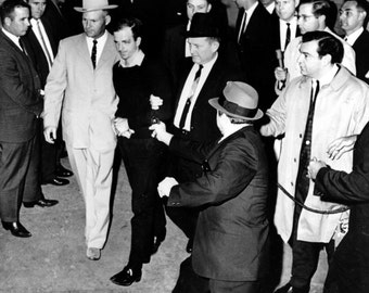 Jack Ruby Prepares to Shoot Lee Harvey Oswald on 11/24/63 - 5X7 or 8X10 Photo (AA-178)