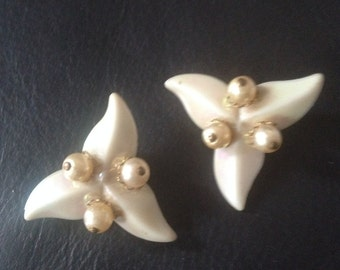 1950's Vintage Mother of Pearl Earrings