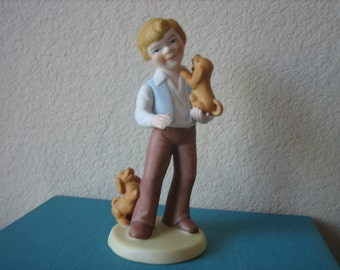 Vintage 1981 Avon Best Friends Porcelain Figurine