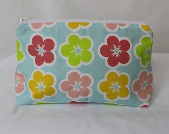 Happy flowers zippered cosmetic bag